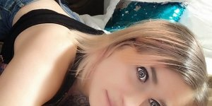 Romanie escort in Morro Bay California