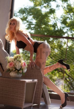Chiryne escort girl in Mount Pleasant
