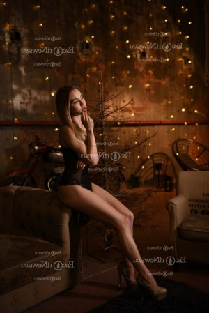 Marie-jeanine escort girl in Bixby OK