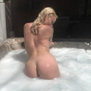 Anne-patricia call girl in Weston FL